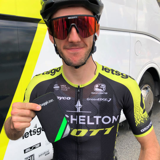 ADAM YATESMITCHELTON SCOTT